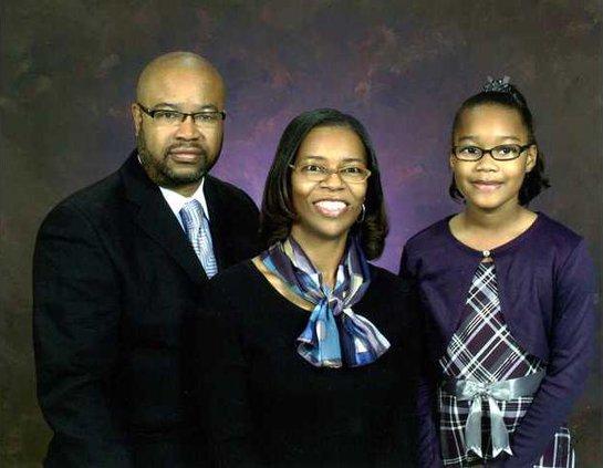 Ellis White wife Vanetta and daughter Carmen-missing sonCreighton